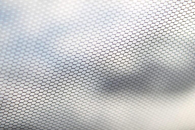 Avantages et coût d'une moustiquaire avec protection solaire