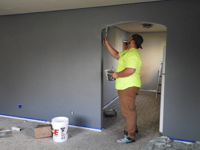Comment peindre un mur de maison rapidement et facilement ?